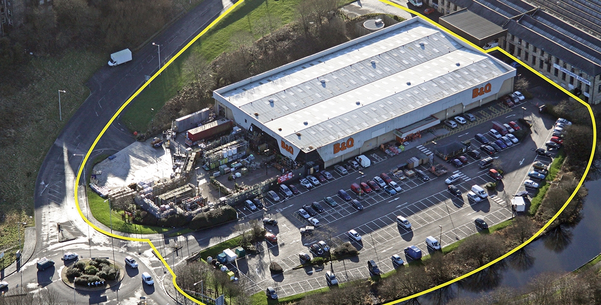 Stand-alone DIY store adjacent to M65, junction 12.